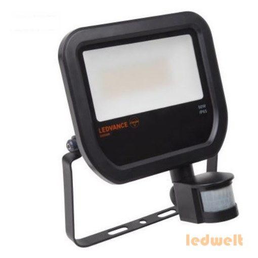 LEDVANCE Floodlight LED Sensor 50W 4750lm 3000K IP65 fekete led reflektor